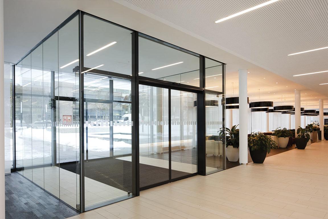 puerta-cristal-2-automatismos-y-puertas-arrieros